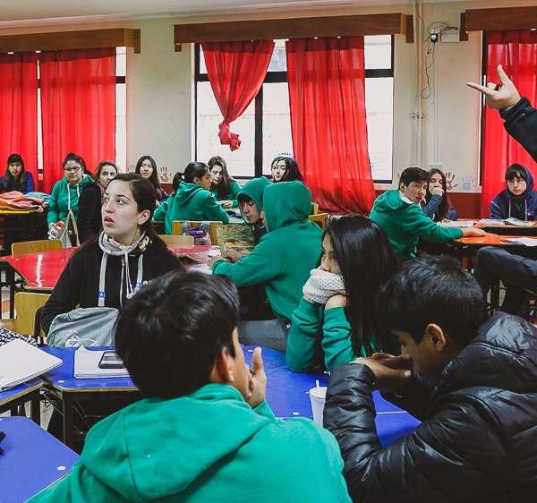 001-estuantes-liceo-lrp
